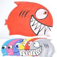 touca de natação vermelha venda por atacado-Venda por atacado - Preço de atacado Adorável Crianças Cartoon Natação Cap Silicon Mergulho Tubarão Impermeável Vermelho Grátis ShippingNote: