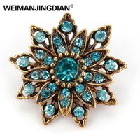 Wholesale assorted brooches for sale - Group buy WEIMANJINGDIAN Brand Vintage Gold Color Plated Crystal Rhinestones Flower Antique Brooch Pins for Women in Assorted