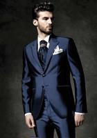 blaue glänzende hose großhandel-Ausgezeichnete Bräutigam Smoking Shiny Navy Blue Mens Hochzeit Smoking Peak Revers Mann Jacke Blazer Beliebte Prom / Dinner Suit (Jacke + Pants + Weste + Tie) 182