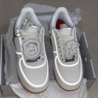 erkekler beyaz ayakkabı moda toptan satış-SıCAK Satış Travis Scotti Kaykay ayakkabı Bej Beyaz 3 M Yansıma Sihirli Erkek Kadın Moda Tasarımcısı Rahat Ayakkabı Ile Çift Kutulu
