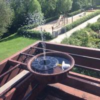 ingrosso teste di fontana-Vendite calde Solar Powered 3 diverse teste di spruzzo Set di pompe per acqua Garden Fountain Pond Kit Waterfalls Water Display Solar DC Pump