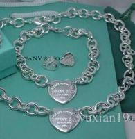 conjuntos de jóias venda por atacado-Alta qualidade de design celebridade Carta 925 Anel de prata colar brincos pulseira em forma de coração Silverware Metal Set Jóias 3pc Com Box