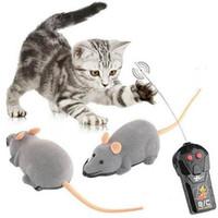 brinquedos novidade ratos venda por atacado-2019 sem fio rc ratos gato brinquedos de controle remoto rato falso novidade rc cat engraçado jogando rato toys para gatos dropshipping c3