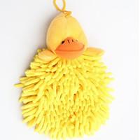 paredes amarillas de la cocina al por mayor-Pequeño pato amarillo de la historieta colgante de pared toalla animal chenilla toalla colgante seca cocina baño suave accesorios de cocina