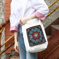 gestickte blumen muster großhandel-MENOGGA Crossbody Taschen für Frauen Chinese Embroidered Flower Pattern Fashion Freizeit White Soft Tote Bag Canvas 2019 Neuheit