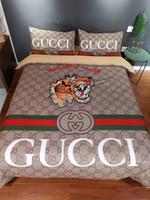 ingrosso set bianchi di biancheria da letto-Copripiumino Fashion Stripe Letter Cover Copripiumino marrone verde rosso Stripe Design trapuntato in misto cotone