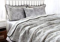 Wholesale silk bedding luxury comforter sets for sale - Group buy European and American Silk cotton quilted quilt kit European style embroidery court luxury wind bed per set x245cm comforter duvet