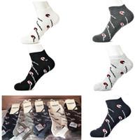 letra tobilleras al por mayor-Campeón de los hombres calcetines tobillera carta calcetines atléticos de verano cómodo de algodón al aire libre baloncesto calcetines deportivos con cartón C41207