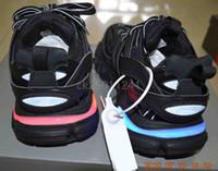 led parçaları toptan satış-Paris antika Üçlü S 3.0 Yükseltilmiş spor ayakkabı parça LED ışıkları geldi 11 renkler Lüks bayan ayakkabıları erkek ayakkabı Beyaz siyah grey36 / 45
