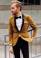 chaqueta de terciopelo burdeos al por mayor-Velvet Groom Tuxedos burdeos verde esmeralda Hombres Wedding Tuxedos Black Lapel Popular Men Dinner / Darty Jacket Blazer Suit (Jacket + Pants + Tie)