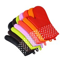 Wholesale kitchen silicone mitts resale online - Oven Silicone Gloves Dot Microwave Oven Mitts Slip resistant Bakeware Kitchen Cooking cake Baking Tools insulated Glove LJJA3538