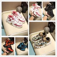 zapatos de bolos rosa para mujer al por mayor-2019 nuevas de la manera zapatos de Triple-S de diseño de plataforma para hombre triples bajo las zapatillas de deporte ocasional de las mujeres ocasionales de los deportes de diseño