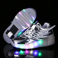 ingrosso scarpe da pattinaggio su ruote-Kids LED Lights Shoes Bambini Roller Skate Sneakers con ruote Glowing Led Light Up per Boys Running Shoes