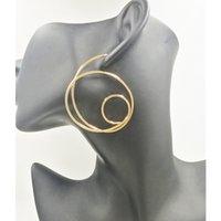 ingrosso orecchino grande grande oro del cerchio-2019 Ultimi orecchini grandi gioielli in oro grandi orecchini irregolari semplici per donna