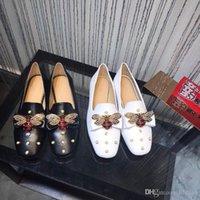 hebillas de arco al por mayor-Nuevo Diseñador de lujo zapatos de damas de baja ayuda Italia Ace abeja zapatos perla hardware hebilla arco zapatos planos
