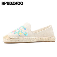 белые плоские вышитые туфли оптовых-2019 Designer White Casual Round Toe Chinese Embroidered Shoes Slip On Breathable Espadrilles Fisherman Embroidery Flats Ladies