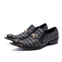 cunhas pontudas venda por atacado-Pointy toe bling sapato masculino fivela homens de negócios sapatos oxford estilo britânico listrado vestido de noiva sapatos
