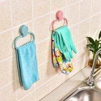 anillos de toalla de plástico al por mayor-Home Living Juego de toallas adhesivas sin punzón Anillo de cocina Trapo de cocina Bastidor de plástico Toalla de pared Carril colgante Accesorios de baño wh1124