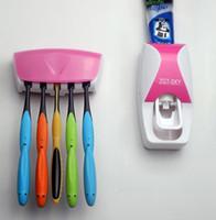 creme dental dental para escova de dentes venda por atacado-Frete Grátis Hot Hot 5 Cores Automático Dispensador de Dentífrico Conjunto 5 Escova de Dentes Titular de Montagem Na Parede Do Banheiro Suprimentos de Higiene Pessoal