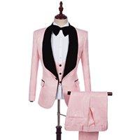 erkekler için pembe smokinler toptan satış-Özel Designe Pembe Paisley Damat Smokin Siyah Yaka Groomsmen Erkekler Gelinlik Moda Adam Ceket Blazer Takım (Ceket + Pantolon + Yelek + Kravat)