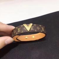 einfaches handarmband großhandel-Markendesigner Luxus Leder Armband Einfache Allgleiches L V Wort Breites Armband Für Frauen 2019 Neue Hand Schmuck Louis