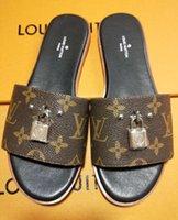 basit terlik toptan satış-Terlik Düz Sandalet Kadın Sandalet Kadın Moda Basit Gündelik Yüksek Kaliteli Yaz Ücretsiz Kargo Çoklu Stiller Renk 35-42