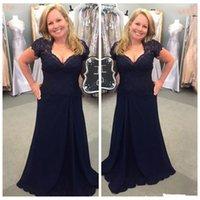 marineblau mütter kleid großhandel-Dark Navy Blue Brautmutterkleider Lace Chiffon 2019 New Classic Design Mutter des Bräutigams Kleid Damen Formelle Abendparty