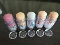 parlak temelli makyaj toptan satış-Sıcak Satış Süt Makyaj Holografik Sopa İşaretleyiciler Glow Sticker Tam Boy Aydınlık Blur Sticks Mat Astar Vakıf 28G Ücretsiz DHL Shiping