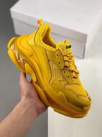 zapatos de plataforma a juego al por mayor-Balanciaga para hombre zapatos de diseñador 2019 Triple S negro blanco polvo orificio de ventilación a juego plataforma italiana zapatillas de deporte originales para hombre