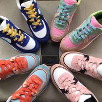 ingrosso marchio logo scarpe-Scarpe di marca di nuovo colore 2019 Scarpe da ginnastica di marchio di moda originale Scarpe da uomo in pelle da donna Designer di lusso Runner scarpe sportive 35-45