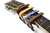 gitar için kelepçeler toptan satış-Gül Ahşap Sapele BlueWhite PorcelainAcoustic / Elektro Gitar 6-String Guitar Capo Değişim Capos Anahtar Kelepçe Ücretsiz Kargo