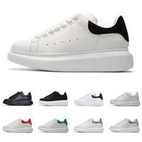 zapatos de cuero negro para hombres al por mayor-Zapatos de diseño para hombres, mujeres, zapatillas de plataforma de moda, triple, blanco, cuero blanco, gamuza para hombre, zapatos casuales planos