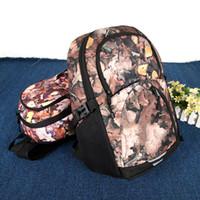 laranja esportes mochilas venda por atacado-Amantes de Luxo Designer de Mochila Estudante Viagem Mochila Laranja Marrom Amarelo Mochila Simples Popular Moda Prática Esporte Ao Ar Livre 37xba D1