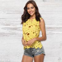 ingrosso giallo crochet top-Europen Style Crochet Knit Floral Giallo Scava Fuori Breve Gilet di pizzo Canotta Plus Size Camicette Estate Top per le donne Y19042801