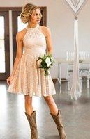 kısa şeftali gelinlik toptan satış-Onur Önlük HH263 Of ucuz Kısa Dantel Şeftali Ülke Nedime Modelleri İnci Halter Boyun Wedding Guest Elbiseler Diz Boyu Hizmetçi