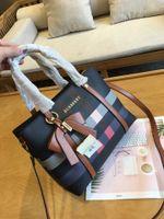 gepäckbeutel umreifung großhandel-Einkaufstasche Gepäcktasche Damen Vintage Messenger Bags Damen Leder Crossbody Umhängetaschen Sac a Main Damen High Quality Bag Long Strap