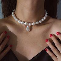 collier de perles blanc parti achat en gros de-Baroque Blanc Perle Choker Collier De Noce Mariée Douce Irrégulière Perle Multicouche Collier pour Collier Femme 2019