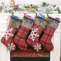 xadrez de peles venda por atacado-Natal Meias de 18 polegadas Grande Plaid Snowflake Plush Faux Fur Cuff Meias família do feriado Xmas decorações do partido JK1910