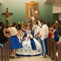 ingrosso abiti di debutto bianco blu-Vintage Quinceanera Abiti Off White and Blue ricamo dell'innamorato della spalla lungo abito di sfera Debuttante Vestito Vestido de nos 15