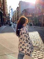 casacos de lantejoulas venda por atacado-ocasionais clássicas de moda retro blusas mulheres em torno do pescoço colar lantejoulas cor carta padrão solta selvagem casaco camisola longa para as mulheres
