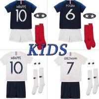 jerseys para niños baratos al por mayor-Maillot de Foot enfant 2018 football football kids 2 stars two etoiles Equipe de france uniforme francés kits Jerseys + pantalón + calcetines