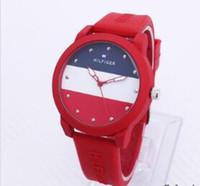 спортивные силиконовые часы для мужчин оптовых-Бесплатная доставка оптом! Американский досуг Мужчины и женщины спортивной моды простые кварцевые часы стол студент силиконовый ремешок часы