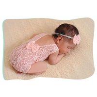 ingrosso ragazza neonata foto outfits-Baby Girl Photography Puntelli infantile Carino neonato Pagliaccetto in pizzo Tuta Immagini Abbigliamento fotografico mensile Abiti