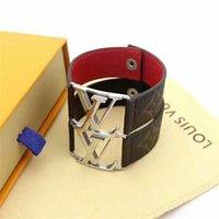 ingrosso braccialetto delle lettere dei monili-Cinturino in pelle moda popolare con lettere in metallo, bracciale in acciaio 316L titanio e acciaio 316L