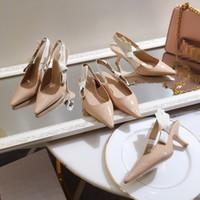 ingrosso sandali con tacco-Top quality 2019 di lusso in stile design in pelle verniciata con cinturino tacchi donne uniche lettere sandali abito da sposa scarpe sexy ks19042701