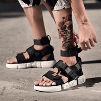 botas abiertas de la plataforma del dedo del pie al por mayor-Moda de verano zapatos para hombres Sandalias de gladiador Plataforma de punta abierta Sandalias de playa Botas Estilo romano Lona gris negra Nave de gota