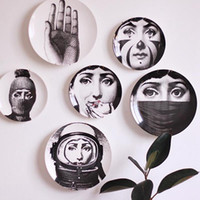 Wholesale abstract wall hangings for sale - Group buy Retro Home Wall Decoration Hanging Round Ceramics Printed Portrait Plates Durable Coffee Shop Home Wall Decor Inch Plates DH0728
