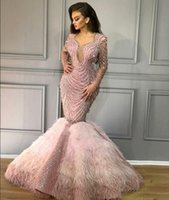 perlas rosa bebé al por mayor-Vestido de noche Yousef aijasmi Kim kardashian Charble Elie saab Baby Pink Feather Mermaidl Perlas V = Cuello manga larga Zuhair murad 101