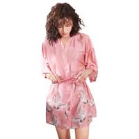 lingerie preta do robe cor-de-rosa venda por atacado-Sexy Impresso Robe Lingerie Mulheres de seda Stain Roupão de Dama De Honra plus size mulheres noiva robe rosa preto quimono japonês Casa terno
