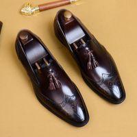 chaussures brogue soldes achat en gros de-Hot Sale-2019 New Business Robe Chaussures Brogue sculpté Hommes Chaussures Mode Pointu Toe Gland Hommes